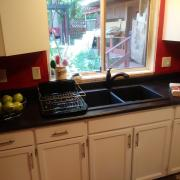 Pender Weekender bed and breakfast kitchen - Accommodation on Pender Island